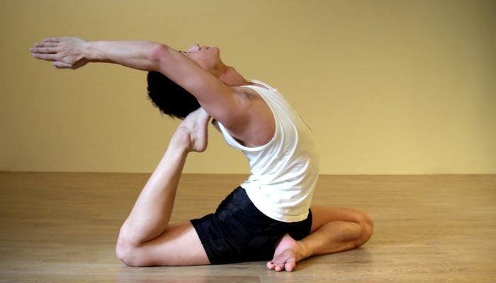 Yoga teacher — Danny<br /><p>Danny大學時期是跆拳道代表隊,同時擁有游泳、重量訓練、救生員等多項運動教練認證,退伍後參加瑜珈師資培訓課程</p>