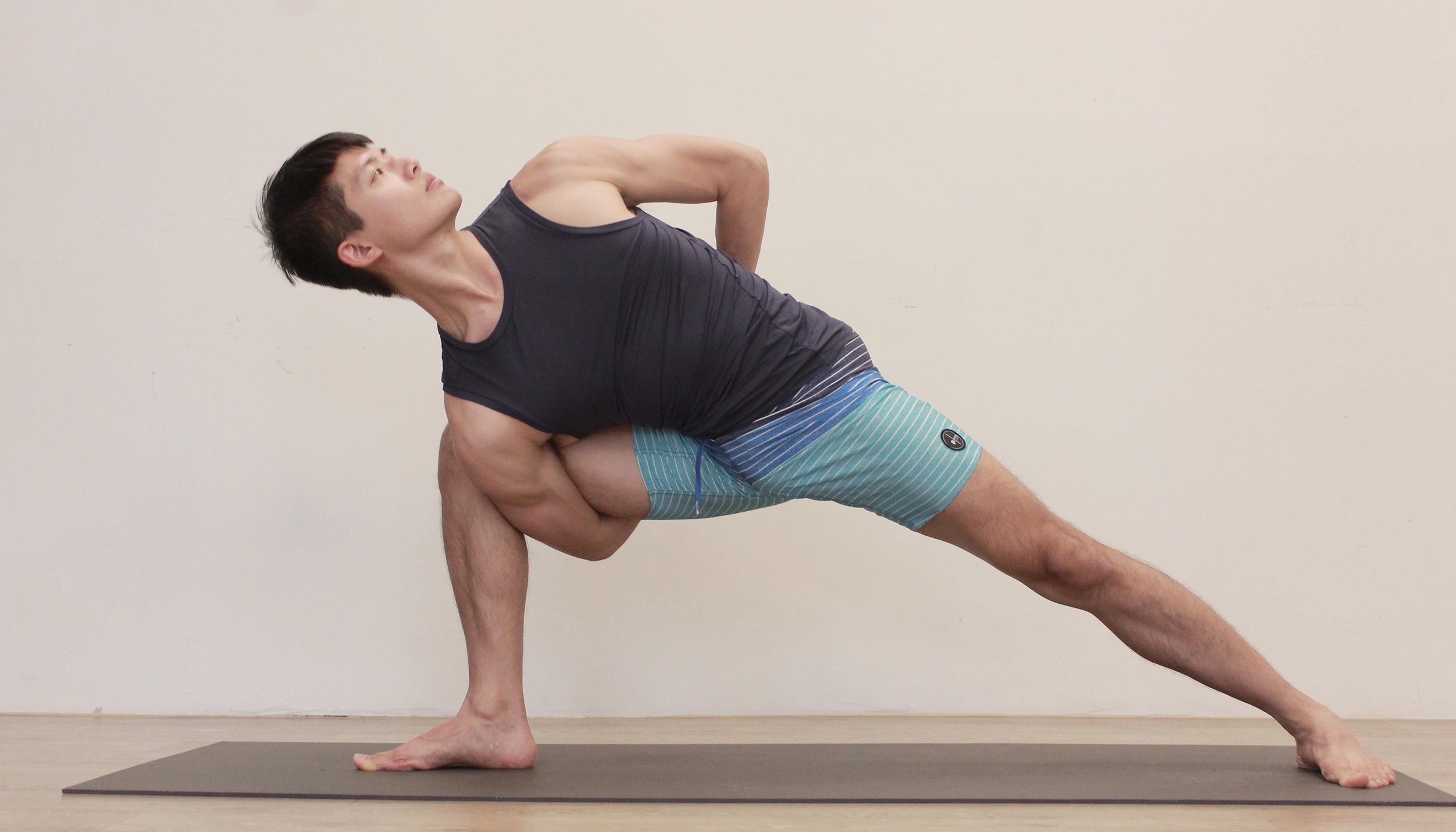 Yoga Teacher — Nick<br /><p>曾經夢想成為社會學家,喜歡旅行與書寫的Nick,熱衷於觀察、體驗、並探索生活的意義,希望成為美好價值的分享者,讓更多人得到均衡與滿足的快樂。</p>