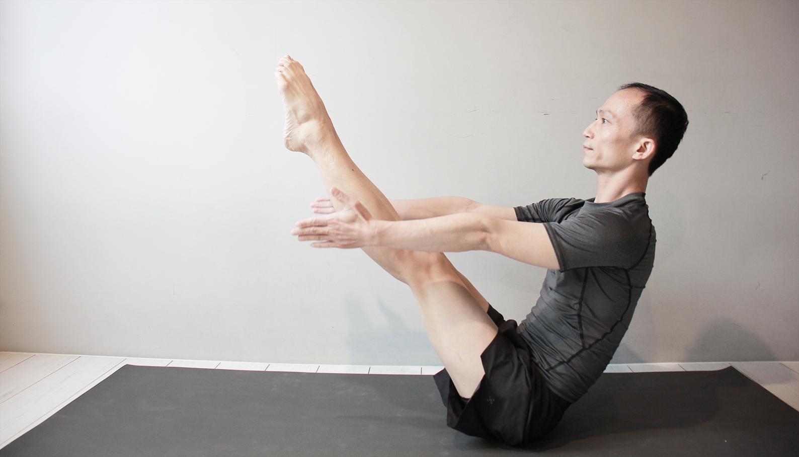 Yoga Teacher — Benny<br /><p>新聞系出身,輾轉從事了近20年的美語教學,因為壓力和健康的因素,接觸了一堂動瑜珈,從此踏上瑜珈修煉的旅程</p>