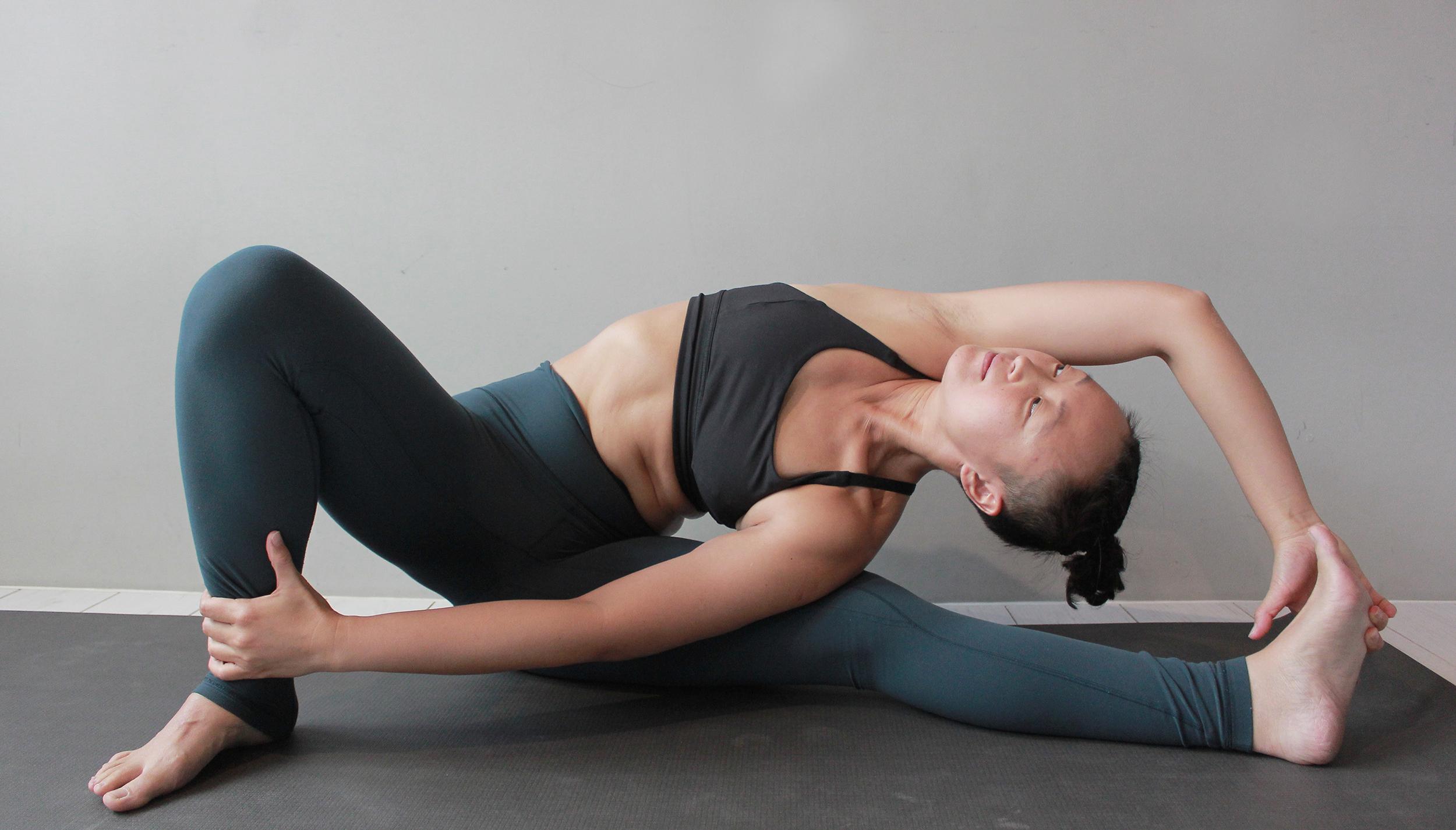 Yoga teacher — Chaoyu<br /><p>我從事繁忙的空間設計⼯作超過⼗年。當時的我,是⼀個性⼦很急,駝着背、背著重量超載的背包,低著頭快步⾛路,不斷接電話、三兩⼝就吃完⼀個便當的忙碌的女⽣</p>