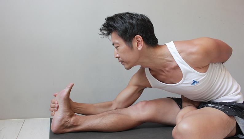 Yoga teacher — Mark<br /><p>熱愛海洋、衝浪,唸書時接觸靜坐,近年開始嘗試攀岩,瑜珈一開始對我來說,是個進化我運動技巧的方式,也是衝浪後療癒我身體的良方</p>
