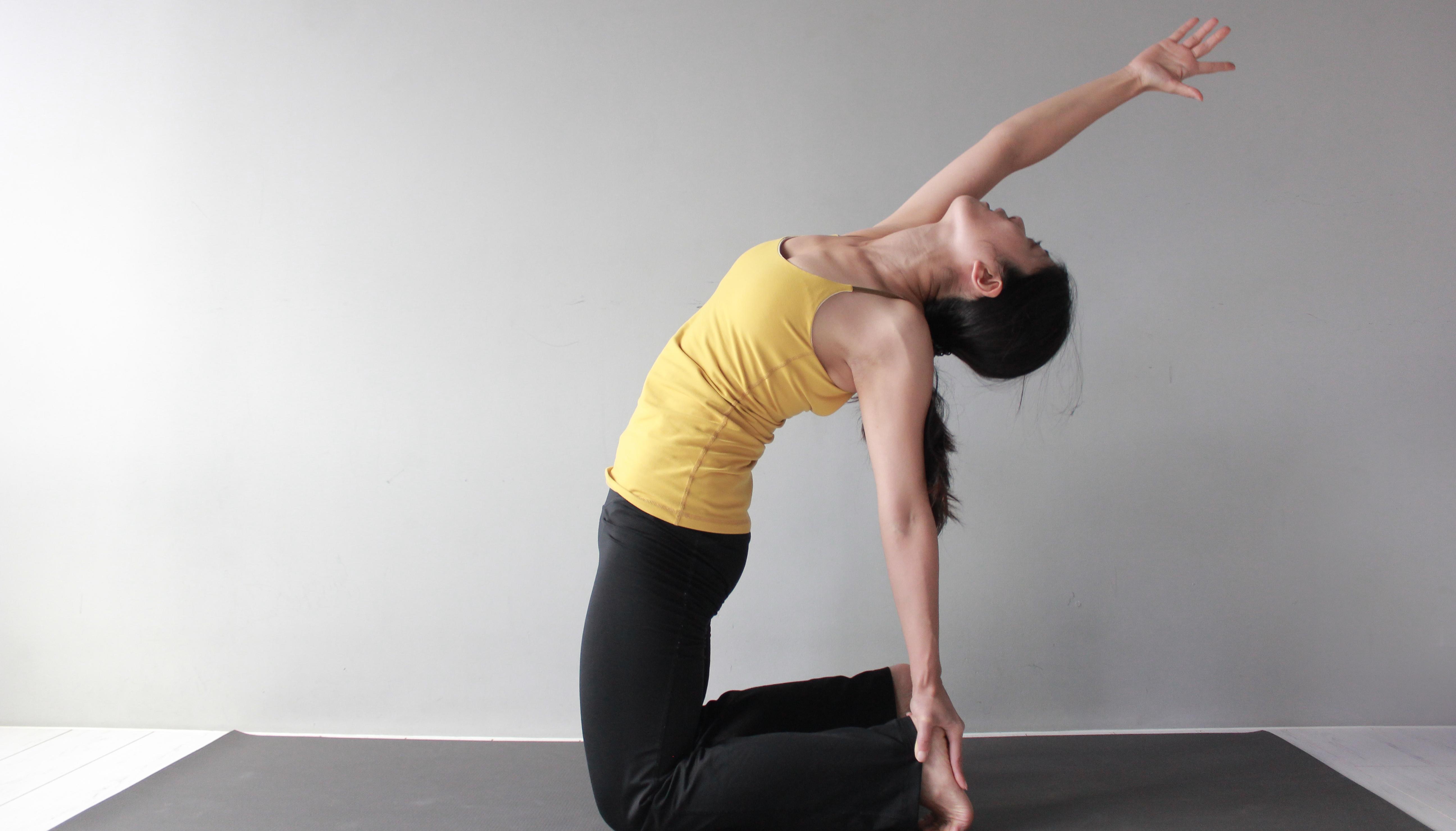 Yoga Teacher – Phoebe<br /><p>學生時期的我,繁忙的課業和對自我的要求,造成了我容易緊張焦慮的個性。朋友們總提醒我要多放鬆,而當時的我用一個理性的腦袋想:放鬆就是不要用力,理應是很簡單的,怎麼我做不到呢?然而沒有親身體驗,也無法真正明白。</p>