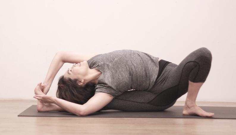 Yoga Teacher — Pauline<br /><p>1998年初次接髑瑜珈課程,瑜珈的「慢」與我們凡事追求效率的「快」形成強烈的反差,我不記得整堂課作了什麼,但我第一次認真的觀察我的呼吸</p>